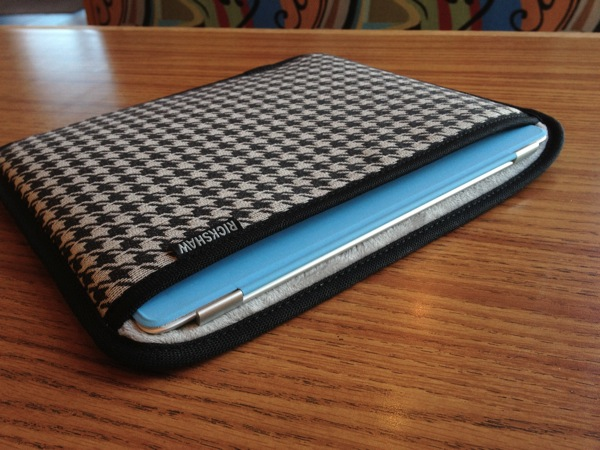 Rickshaw Sleeve for Apple iPad 2 with Smart Cover