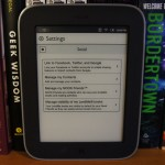 Nook Simple Touch with Glowlight - Social Networks
