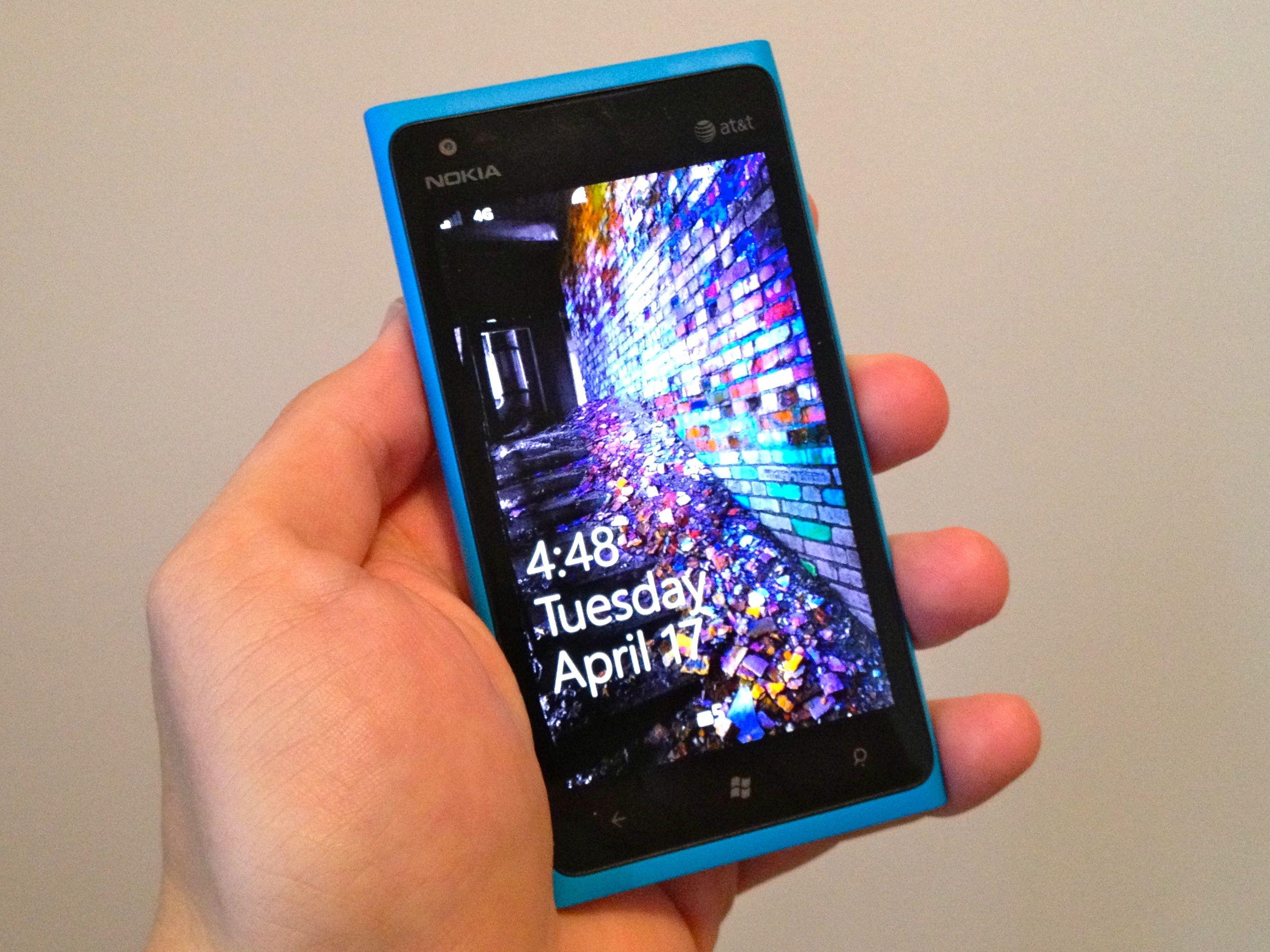 Straight Talk Wireless Lumia 900 Review