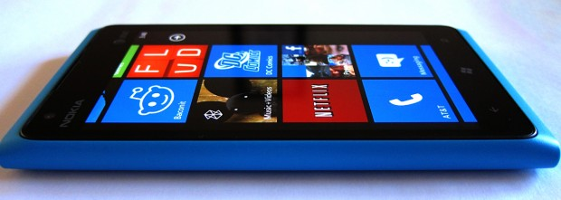 Lumia 900 Becomes Best Selling Smartphone on Amazon