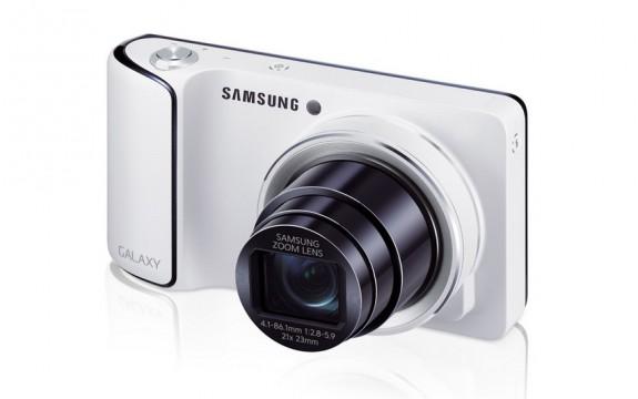 Samsung Galaxy Camera - Head On
