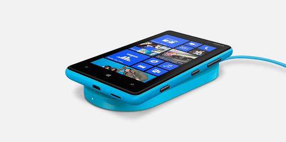 Lumia-820-Wireless-Charging