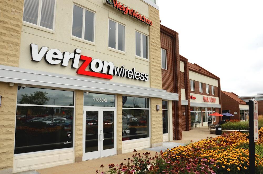 Verizon Wireless Store Prep for iPhone 5 release date