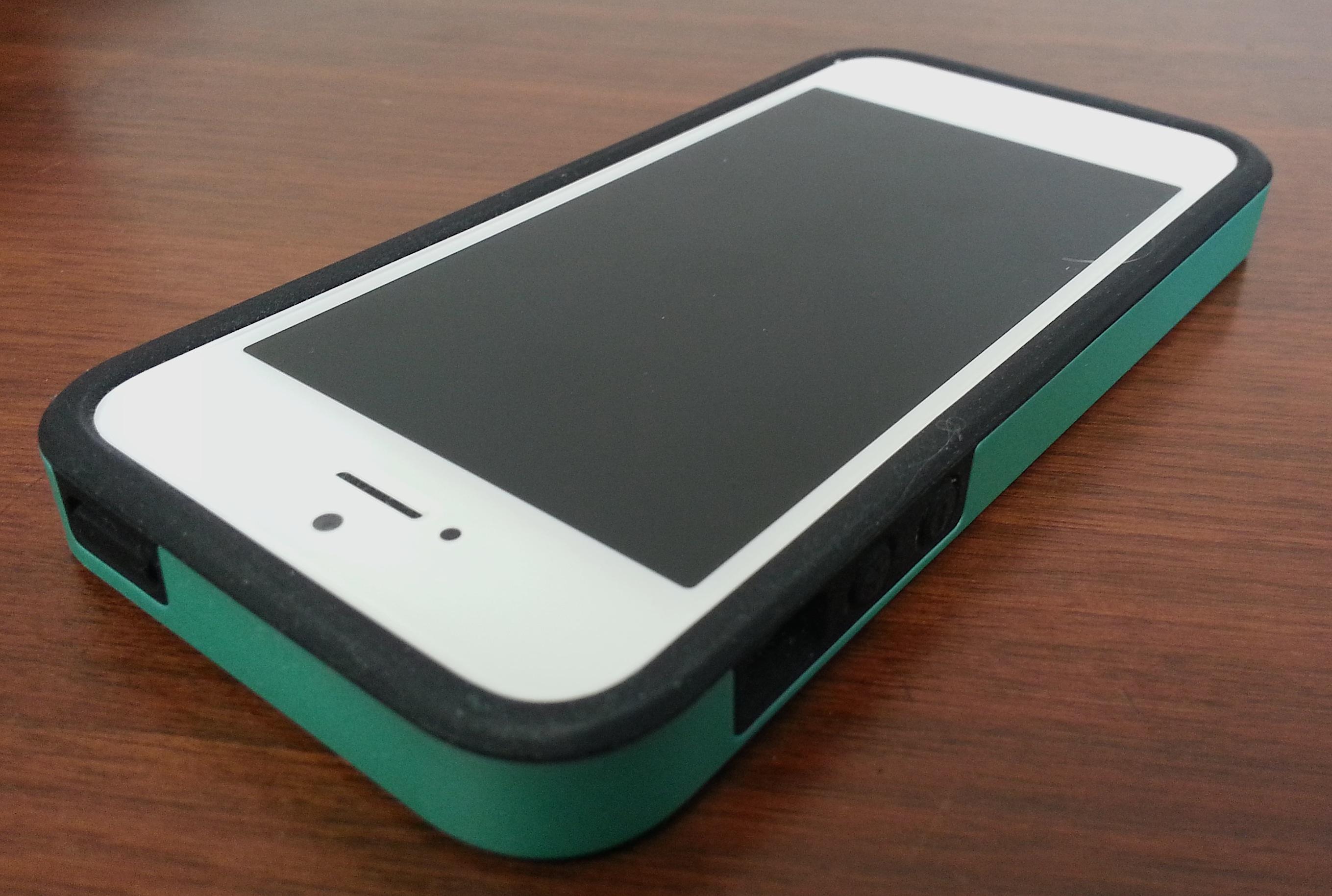 Acase Superleggera Pro iPhone 5 Case with dual layer protection