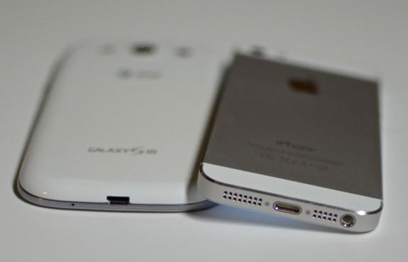 iphone-5-vs-Galaxy-S-III-bottom-575x369