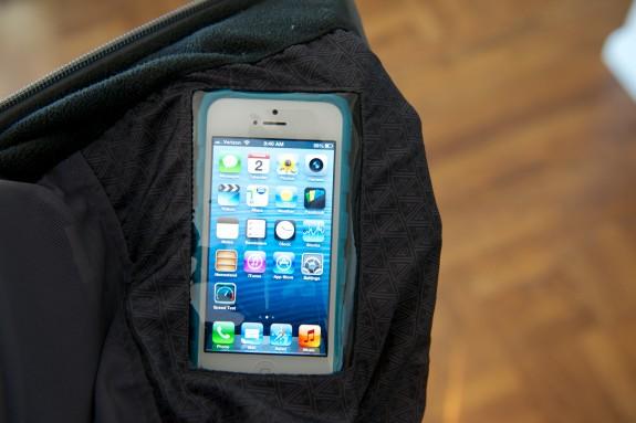 scottevest-fleece-7-review-iPhone pocket CES 2013