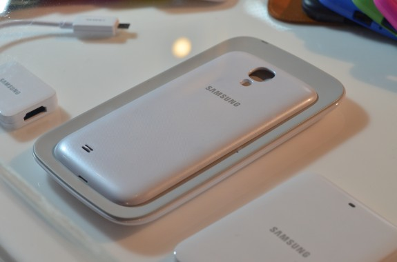 The Galaxy S4 will come with a removable back to handle wireless charging.