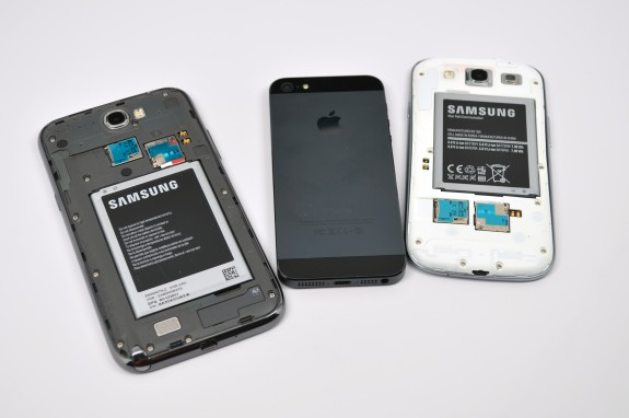 The Galaxy S4 is said to be coming in black like the iPhone 5.