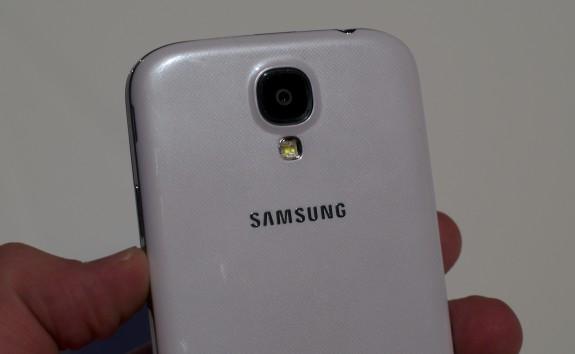 The Galaxy S4 sports a 13MP camera.