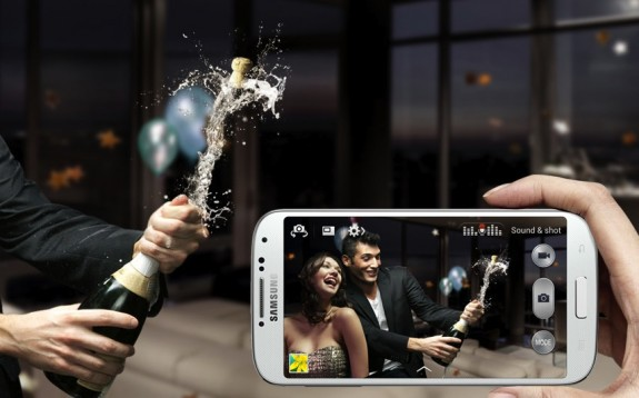 With sound and shot you can send a photo that includes a short message or sound.