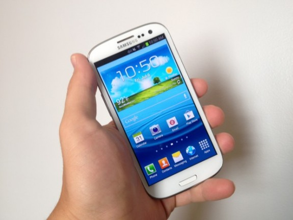 Samsung may be preparing a Samsung Galaxy S3 refresh for soon after the Galaxy S4 release.