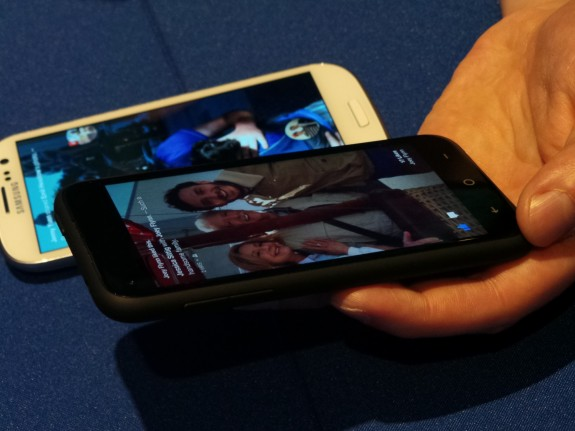 Facebook Home on HTC First compared to Samsung Galaxy S3