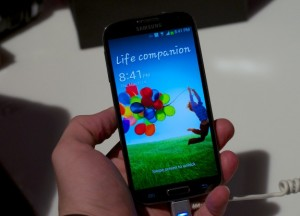 Verizon is said to be getting the HTC One in addition to the Galaxy S4.