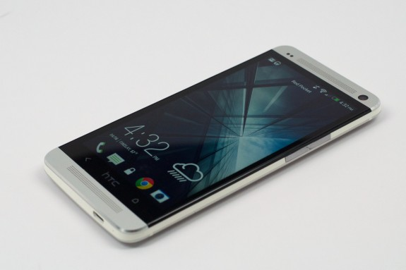The HTC One Max looks like it's set to battle the Galaxy Note 3.