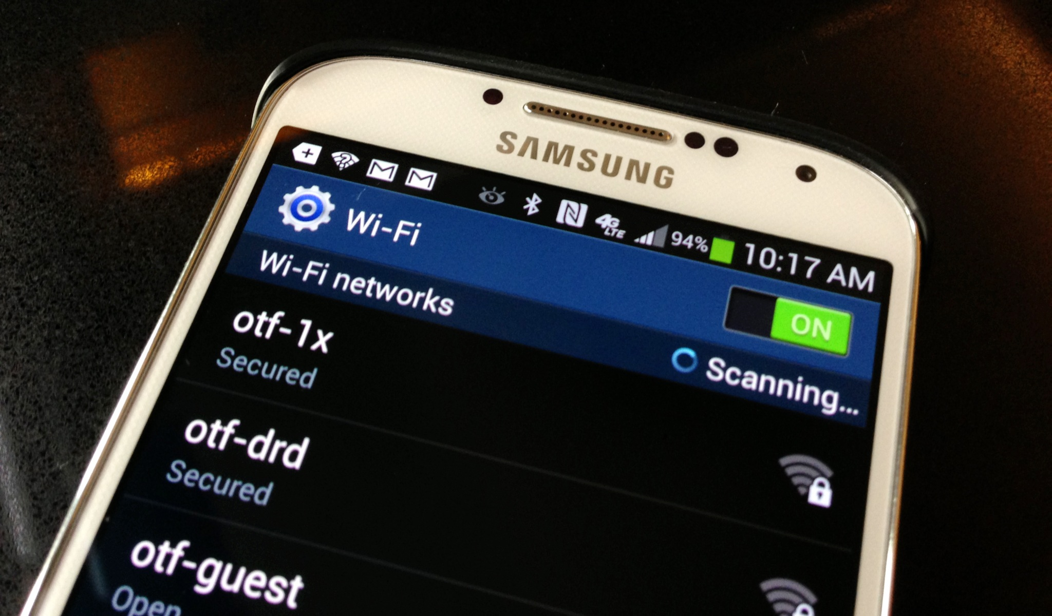 Fix Samsung Galaxy S4 WiFi problems with a few simple steps. If that fails, users may need to buy a new router.