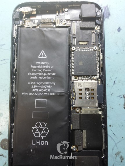 This photo allegedly shows the inside of the iPhone 5S.