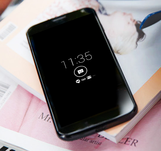The Moto X Active display shows notifications better than an LED.
