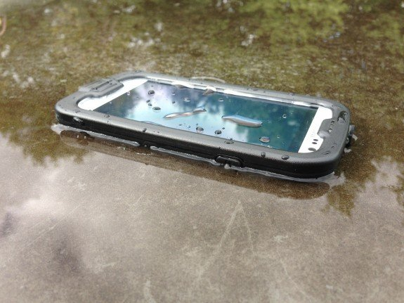 Water isn't a problem with the LifeProof nuud case.