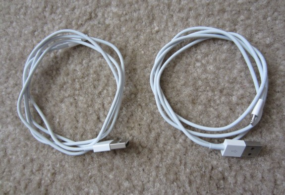 Which Lighting cable is genuine? It's hard to tell at first glace..