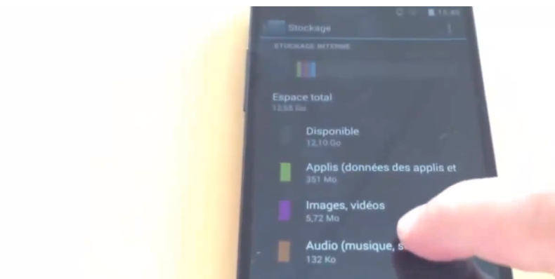 The Nexus 5 hands on shows how much storage is available to users.
