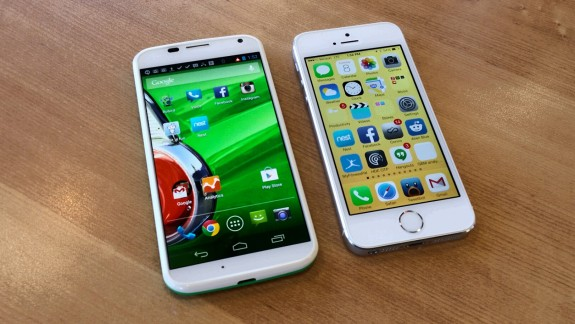 4.7-inch Moto X next to the 4-inch iPhone 5s.