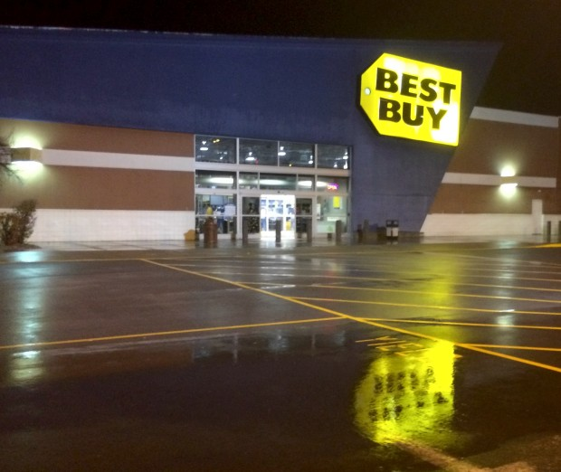 Here are the best Best Buy Black Friday 2013 deals available on Thanksgiving.