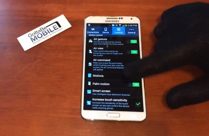 With glove mode on the Galaxy Note 3 pocket dialed 911.