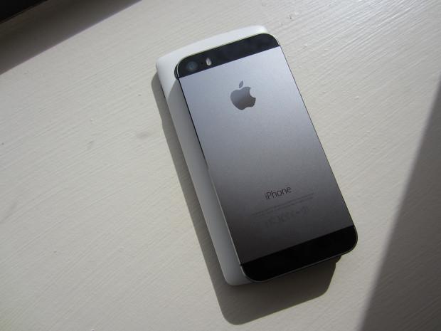 iphone-5s_nexus-5