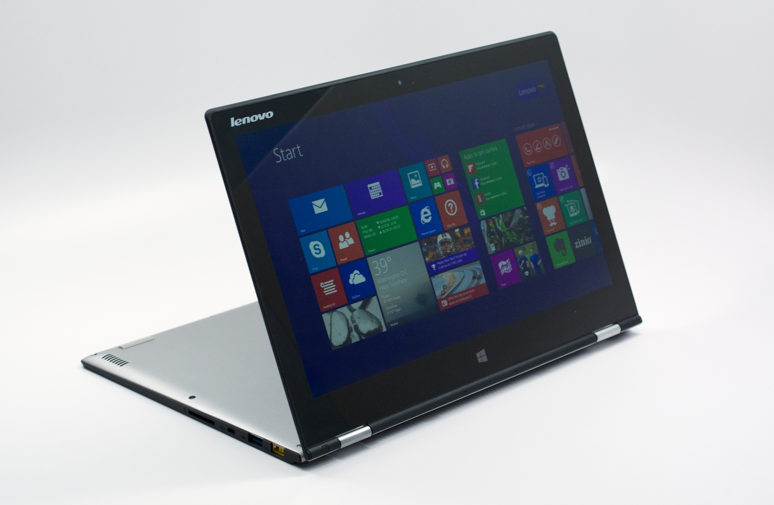 The Yoga 2 Pro includes a 3,200 x 1,800 resolution display.