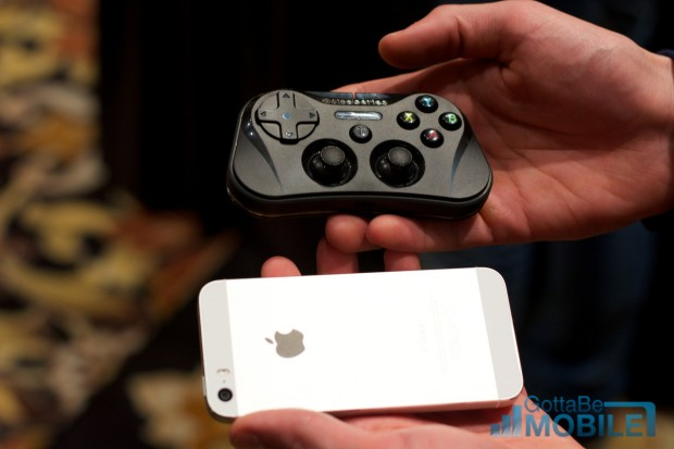 iOS 7 game controllers