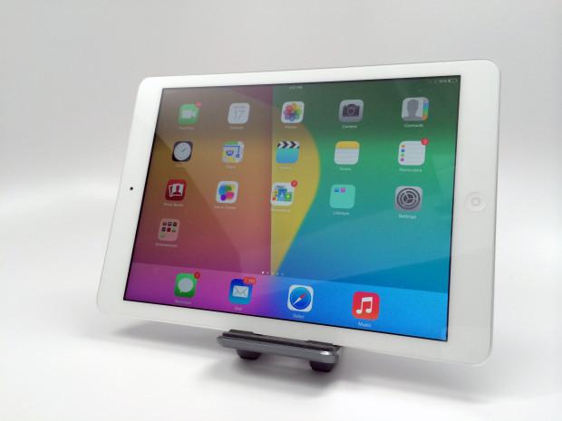 iOS 7.1 performance is fantastic on the iPad Air.