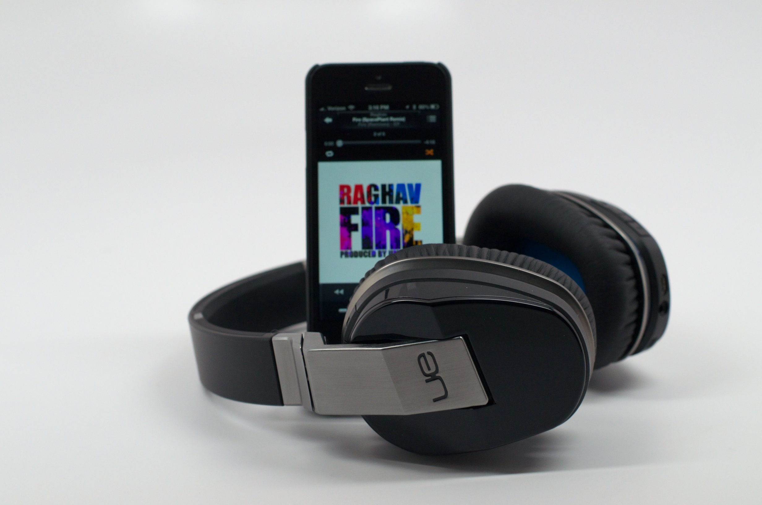 iOS 8 could bring better sounding music with high-resolution audio on the iPhone.