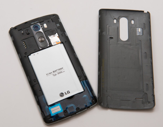 LG G3 Review: A view of the phone with the back cover off