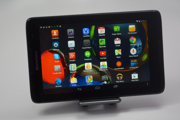 The Lenovo A8 display is good, though apps appear to float behind the screen in some usage.