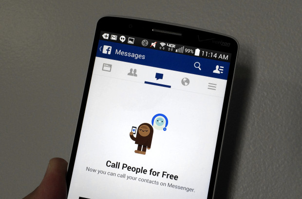 Here's why you need to install the Facebook Messenger according to Facebook, and why people are mad.