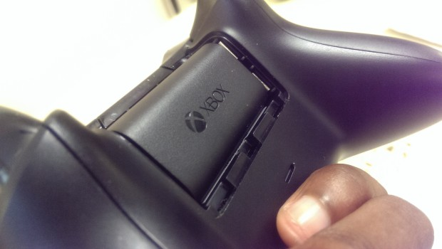 How to Clean an Xbox Controller (2)