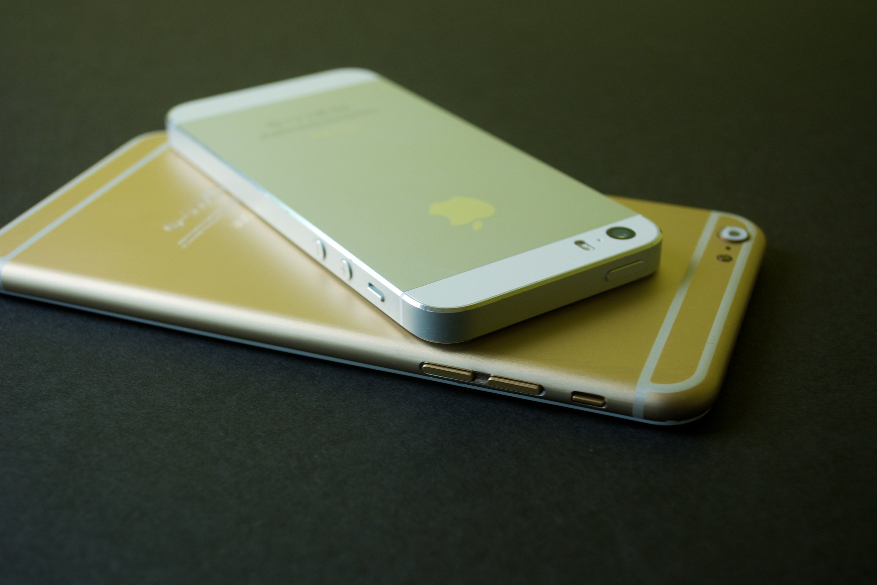 The new design makes the large iPhone 6 easier to hold.
