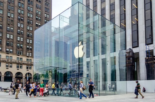 Apple Store iPhone 6 release prep includes two lines, refreshments and extra training for employees.