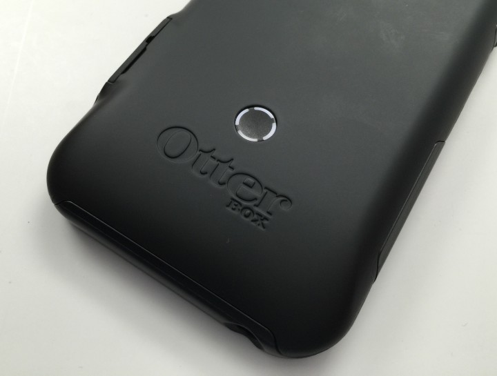 The OtterBox Resurgence case delivers power and protection.