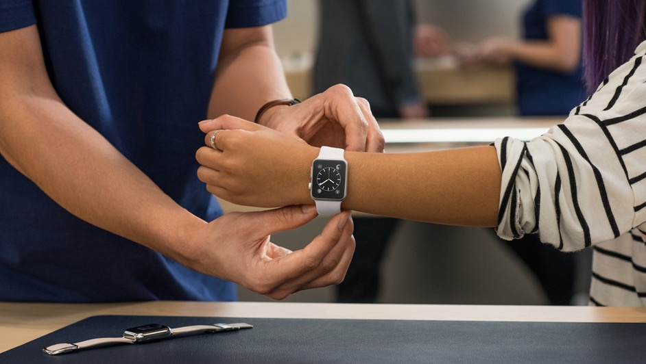 Try on various models before the Apple Watch release date.