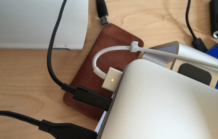 macbook-cable