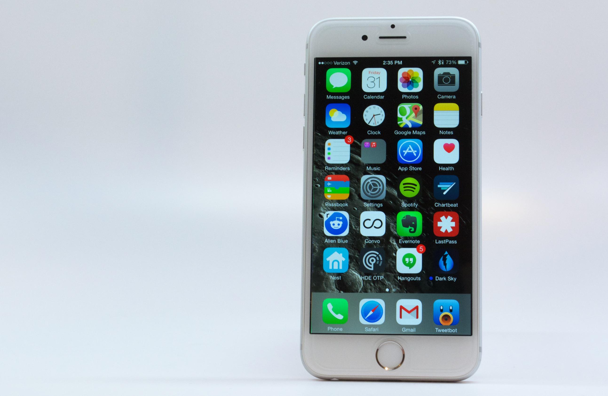 Iphone+4gs+release+date+2011