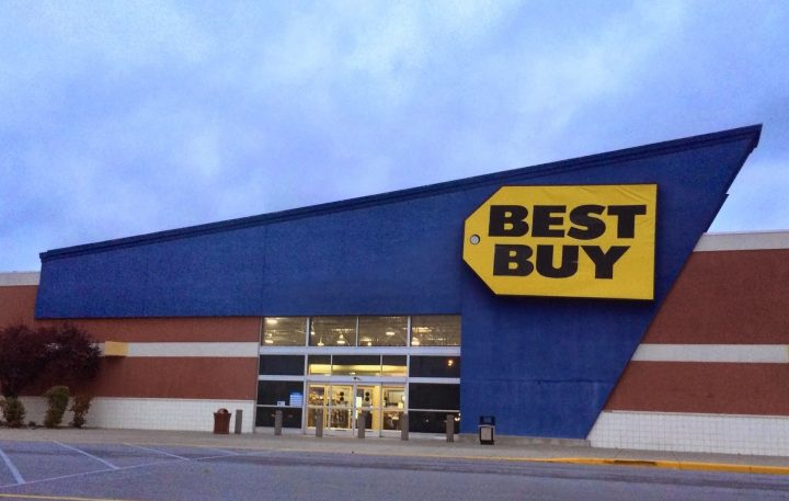 This Madden 16 deal is only available with a Madden 15 trade-in at a Best Buy store.