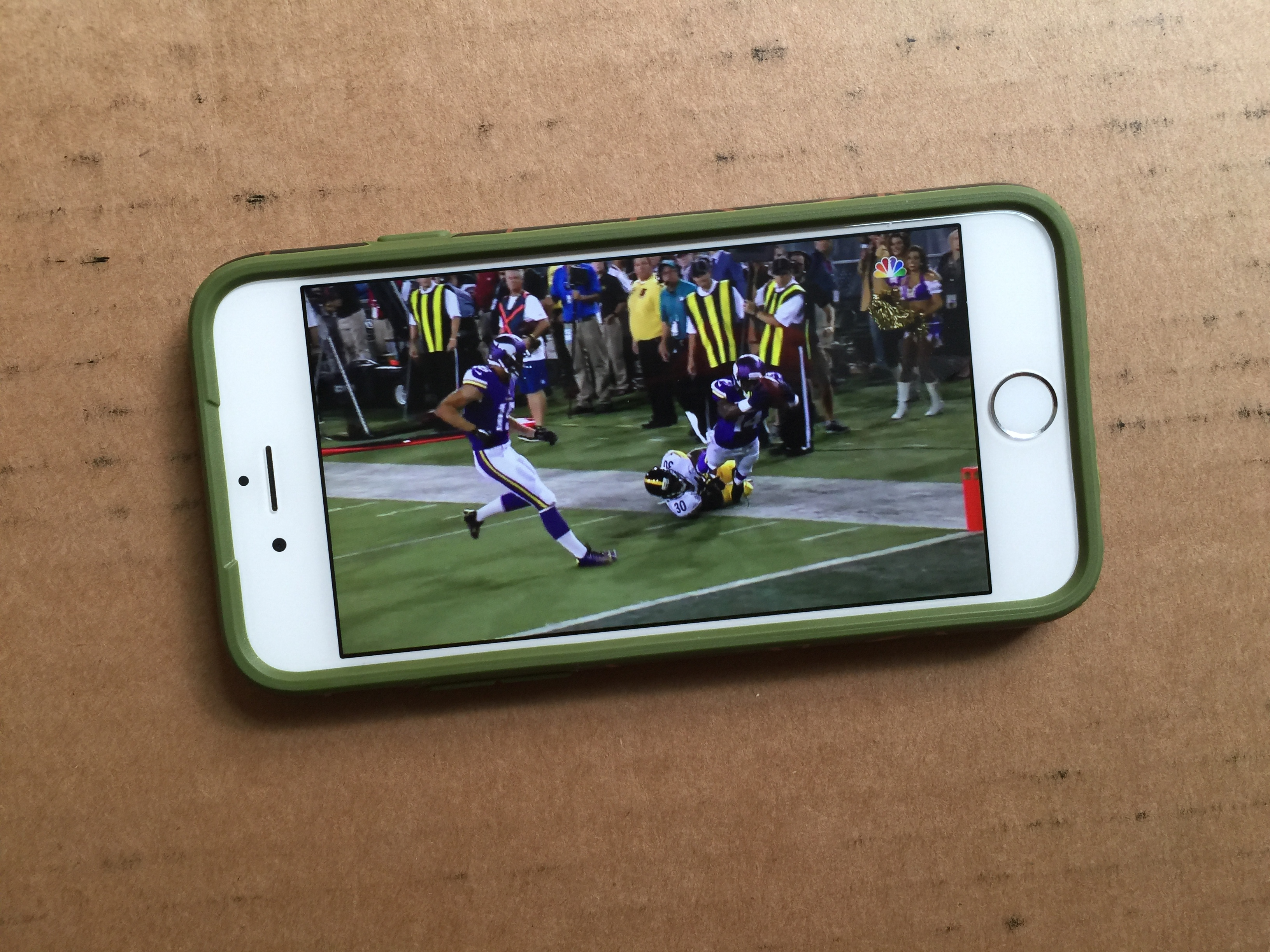 Watch the 2015 NFL Preseason live free if you are already a Verizon customer.