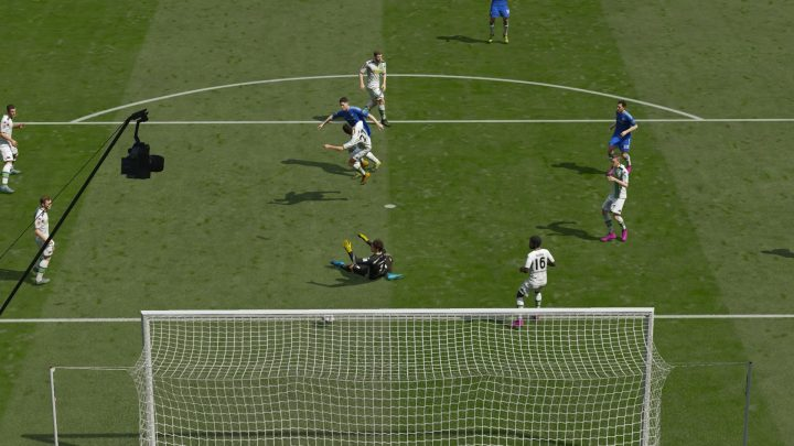 Play FIFA 16 early on Xbox One.
