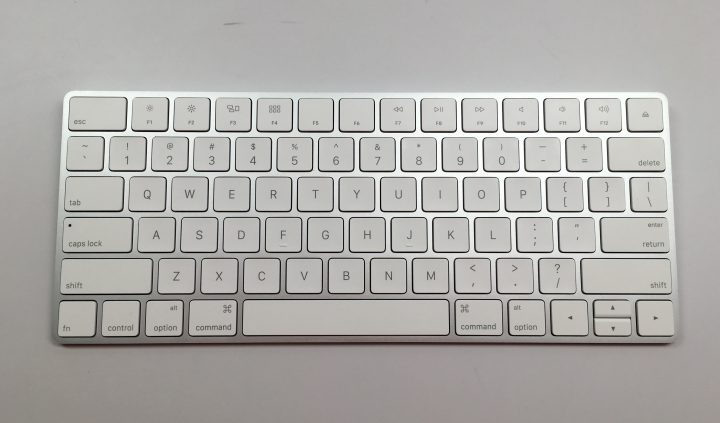 Apple Magic Keyboard vs Apple Wireless Keyboard - 5