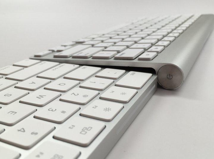 Apple-Magic-Keyboard-vs-Apple-Wireless-Keyboard-3