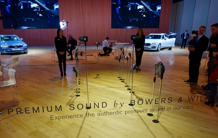 Experience amazing sound in this walk-in simulation.