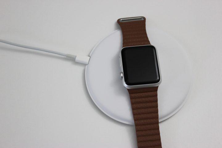 apple-watch-dock-2