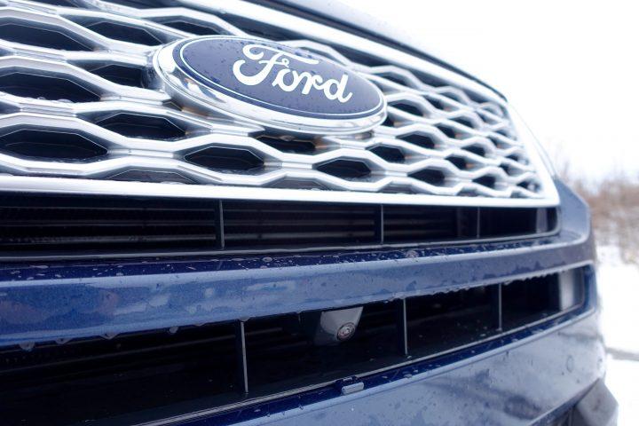 2016 Ford Explorer Platinum Review - 26